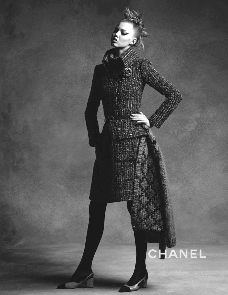 anna-ewers-lindsey-wixson-by-karl-lagerfeld-for-chanel-fall-winter-2015-2016-1