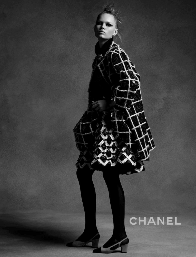 anna-ewers-lindsey-wixson-by-karl-lagerfeld-for-chanel-fall-winter-2015-2016-6