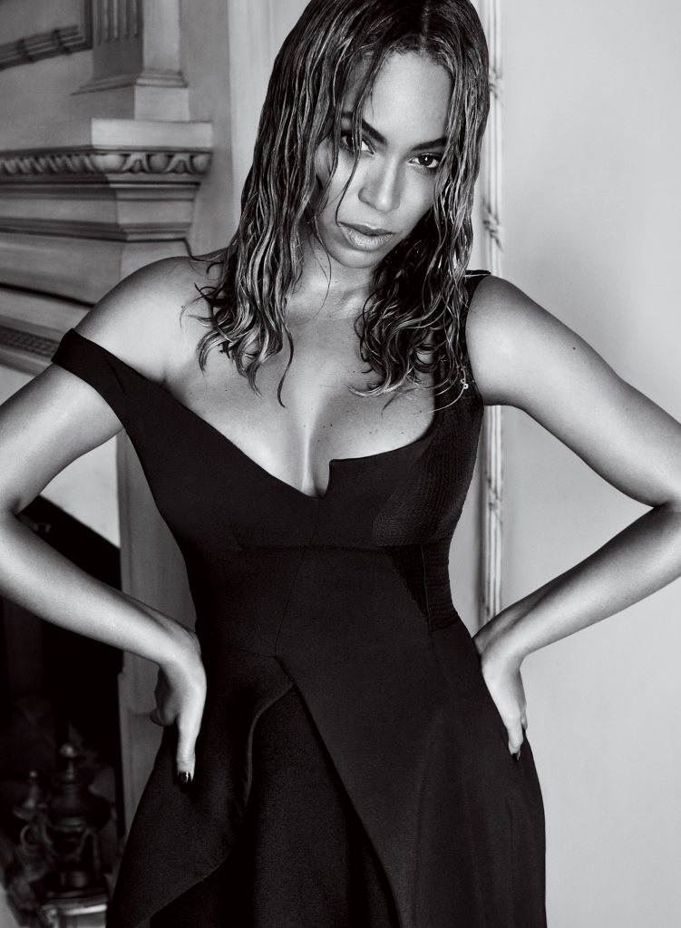 beyoncc3a9-by-mario-testino-for-vogue-us-september-2015-2