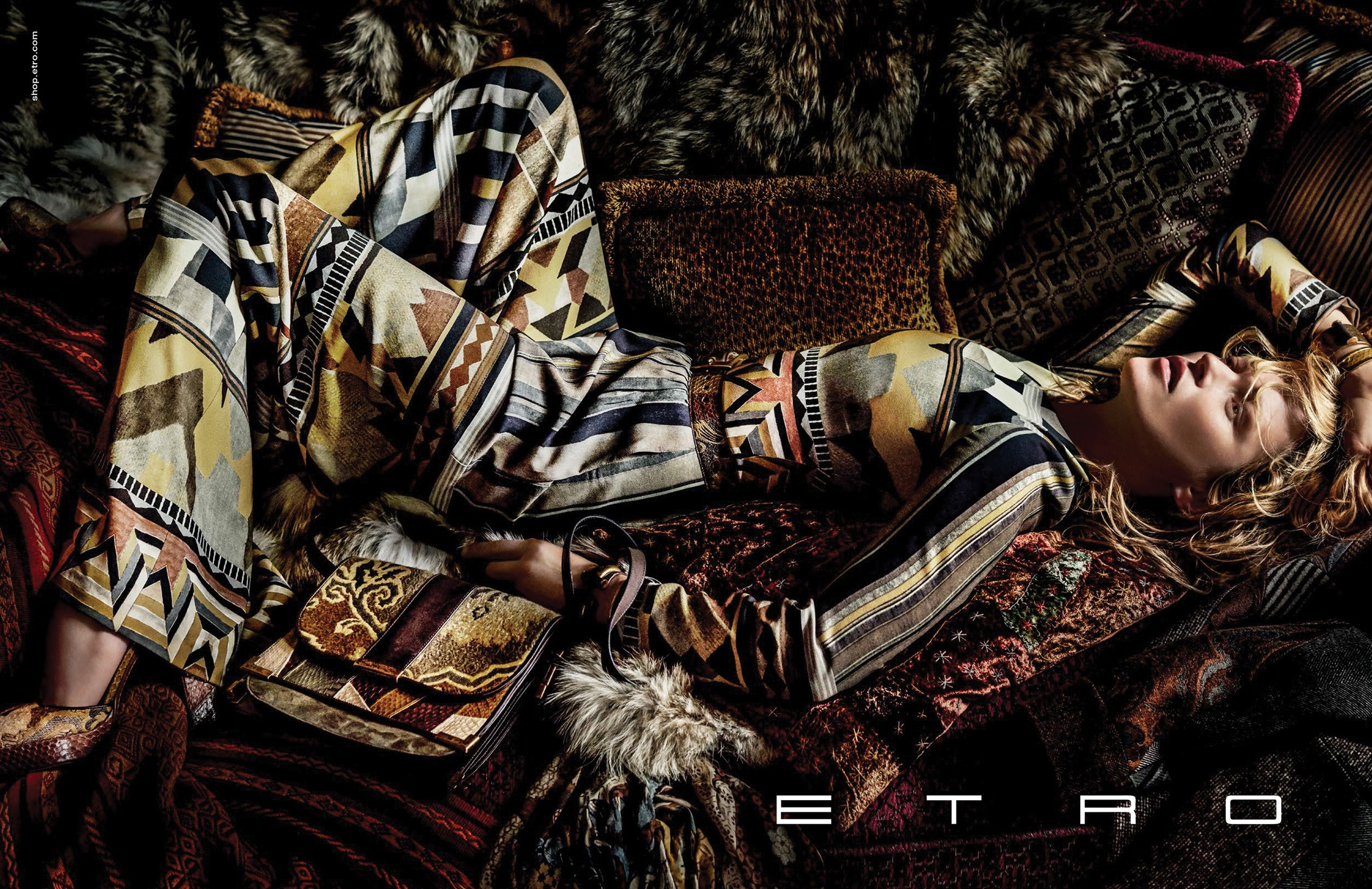 Moss kate for etro fall campaign recommend dress for summer in 2019