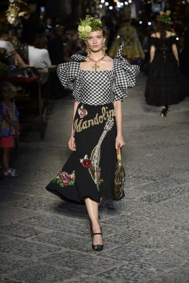 13-dolce-and-gabbana-alta-moda-2016